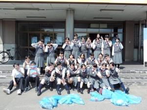 LHRで環境教育の一環としてゴミ拾い活動を実施しました