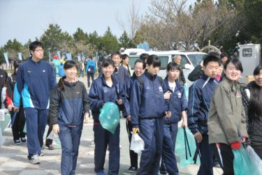 小さな親切運動「春のクリーン大作戦」に参加しました