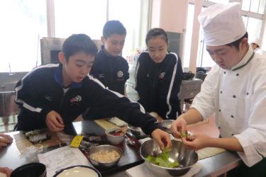 青森山田中学生が調理科体験実習
